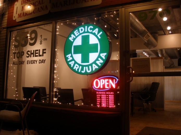 Discount_Medical_Marijuana_-_2-695x521